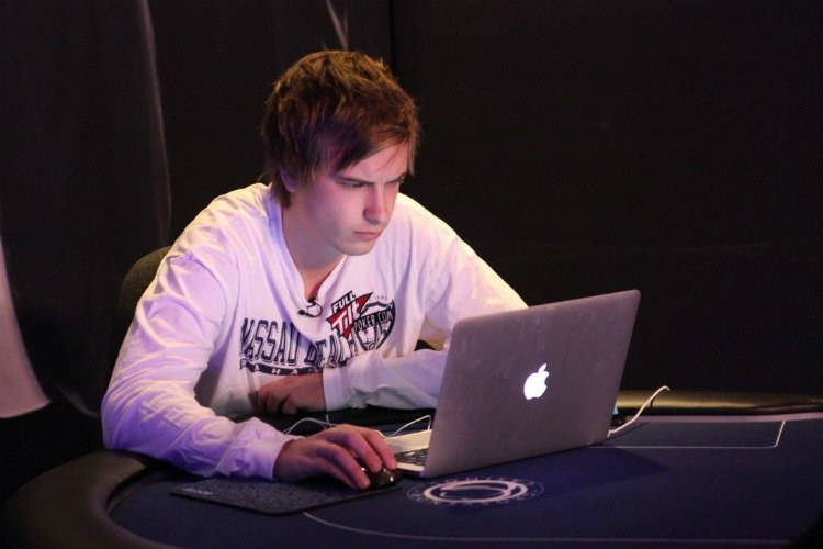 сколько зарабатывают онлайн покер