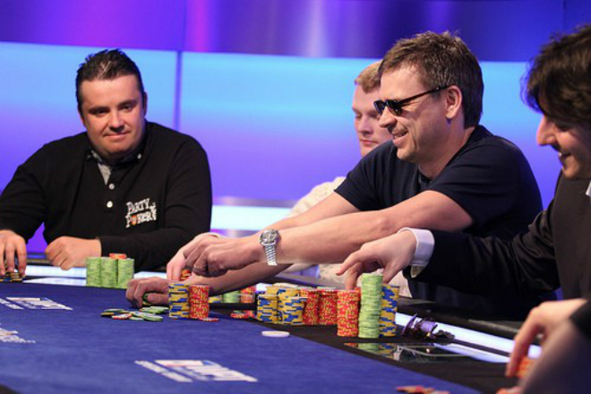 Ники игроков в онлайне покер игра онлайн покер скачать бесплатно